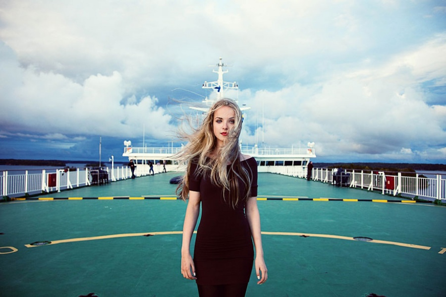 13376560-R3L8T8D-900-different-countries-women-portrait-photography-michaela-noroc-11-finland-baltic-sea