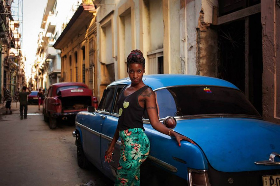 13379360-R3L8T8D-900-different-countries-women-portrait-photography-michaela-noroc-havana-cuba