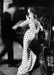 Famous-models-of-the-50s-Suzy-Parker-photographed-by-Richard-Avedon-1957